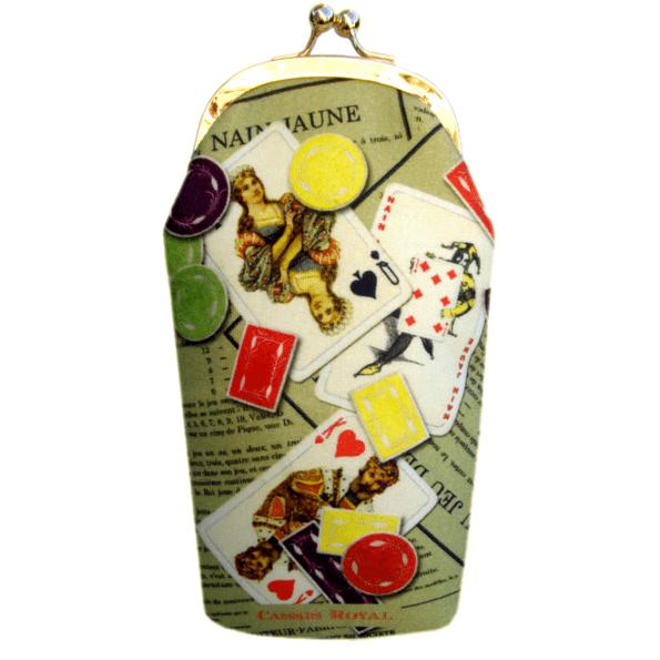 cassis-royal-boutique-laguiole-aubrac-aveyron-etui-à-lunettes-nain-jaune-roi-reine-carte-a-jouer-clic-clac-make-up