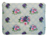 cassis-royal-cassisroyal-boutique-laguiole-aubrac-aveyron-satin-pochette-n°1-cassisroyal--trianon-versailles-marie-antoinette-pensees-roses-fleurs-flowers-make-up-maquillage