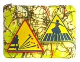 cassis-royal-boutique-laguiole-aubrac-aveyron-pochette-N1-nationale-7-panneau-routier-attention-gravillon
