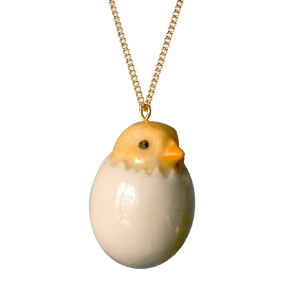 cassis-royal-boutique-laguiole-aubrac-aveyron-andmary-collier-necklace-poussin-oeuf-coquille