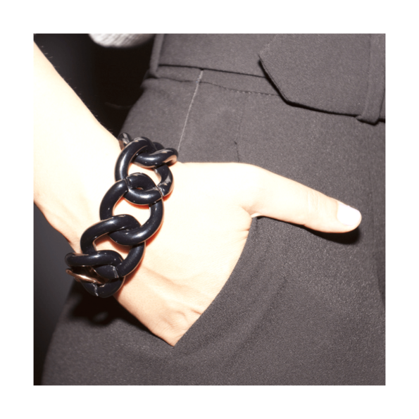 cassisroyal-boutique-laguiole-aubrac-aveyron-kalaika-bracelet-chunky-chain-acrylique-licorice-reglisse-ambiance-black-ultrachic