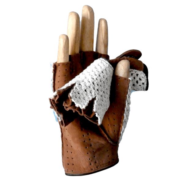 Cassisroyal-boutique-laguiole-aubrac-aveyron-gants-acaba-gants-de-conduite-crochet-tabac-mitaines